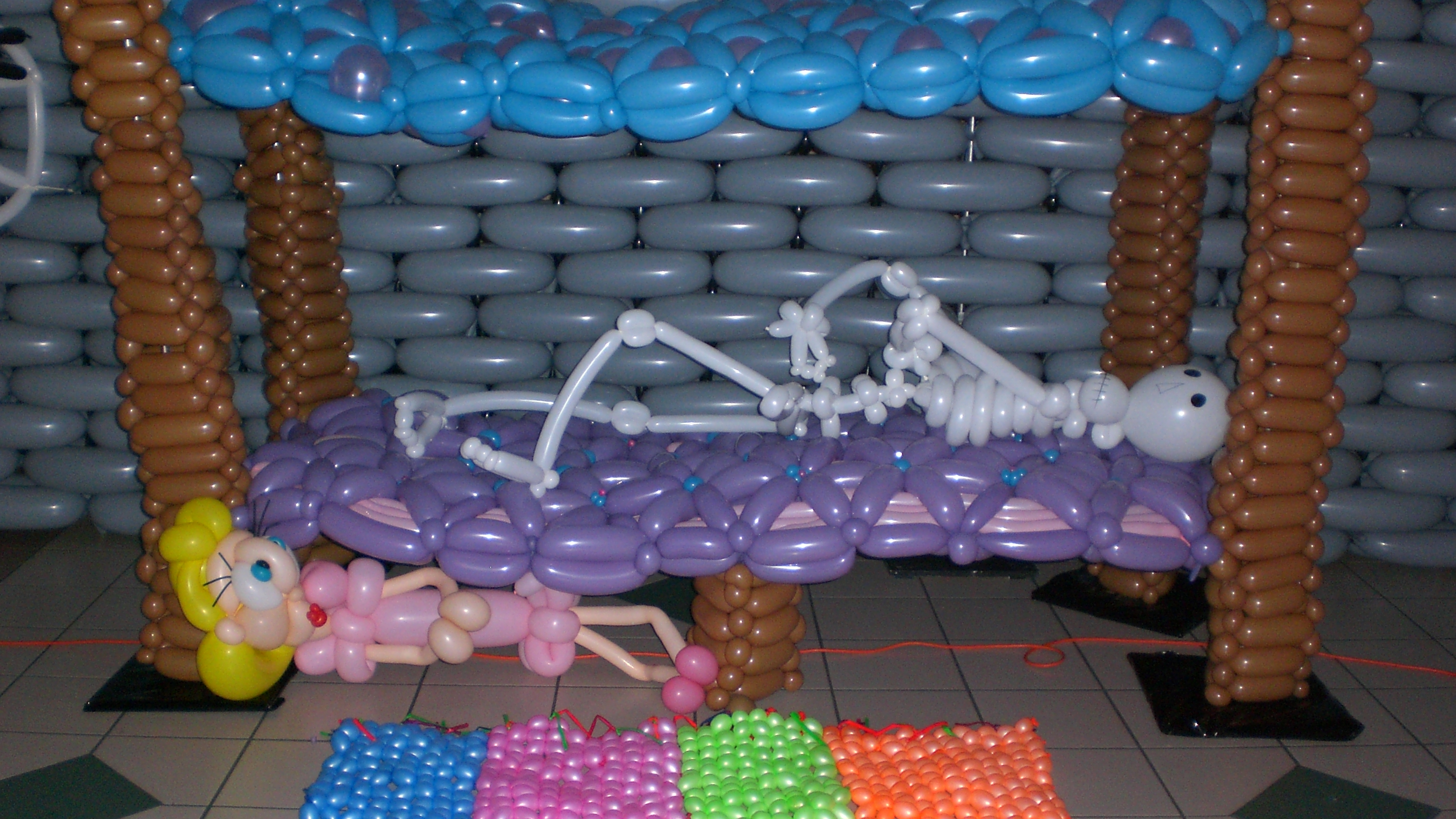 This was a group project that I was part of at Balloon Manor '08